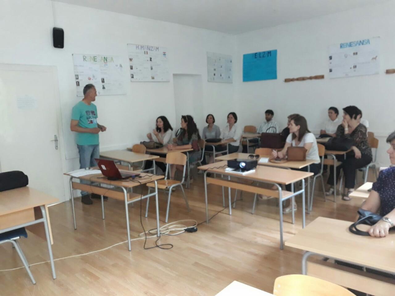 U organizaciji Zavoda za odgoj i obrazovanje u Gimnaziji Livno su održani seminari za nastavnike engleskog i njemačkog jezika, matematike i razredne nastave.